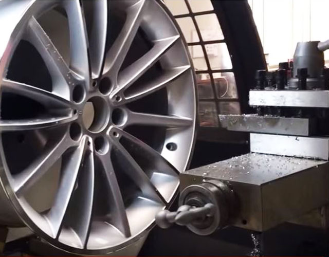 Alloy Wheel Diamond Cutting Service