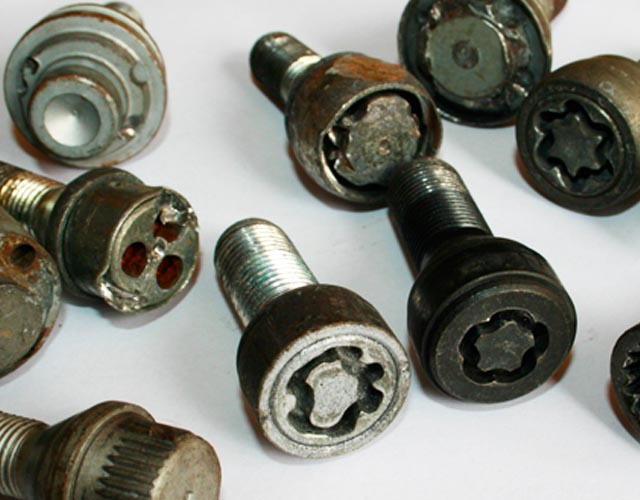 Locking Wheel Nut Removal Service
